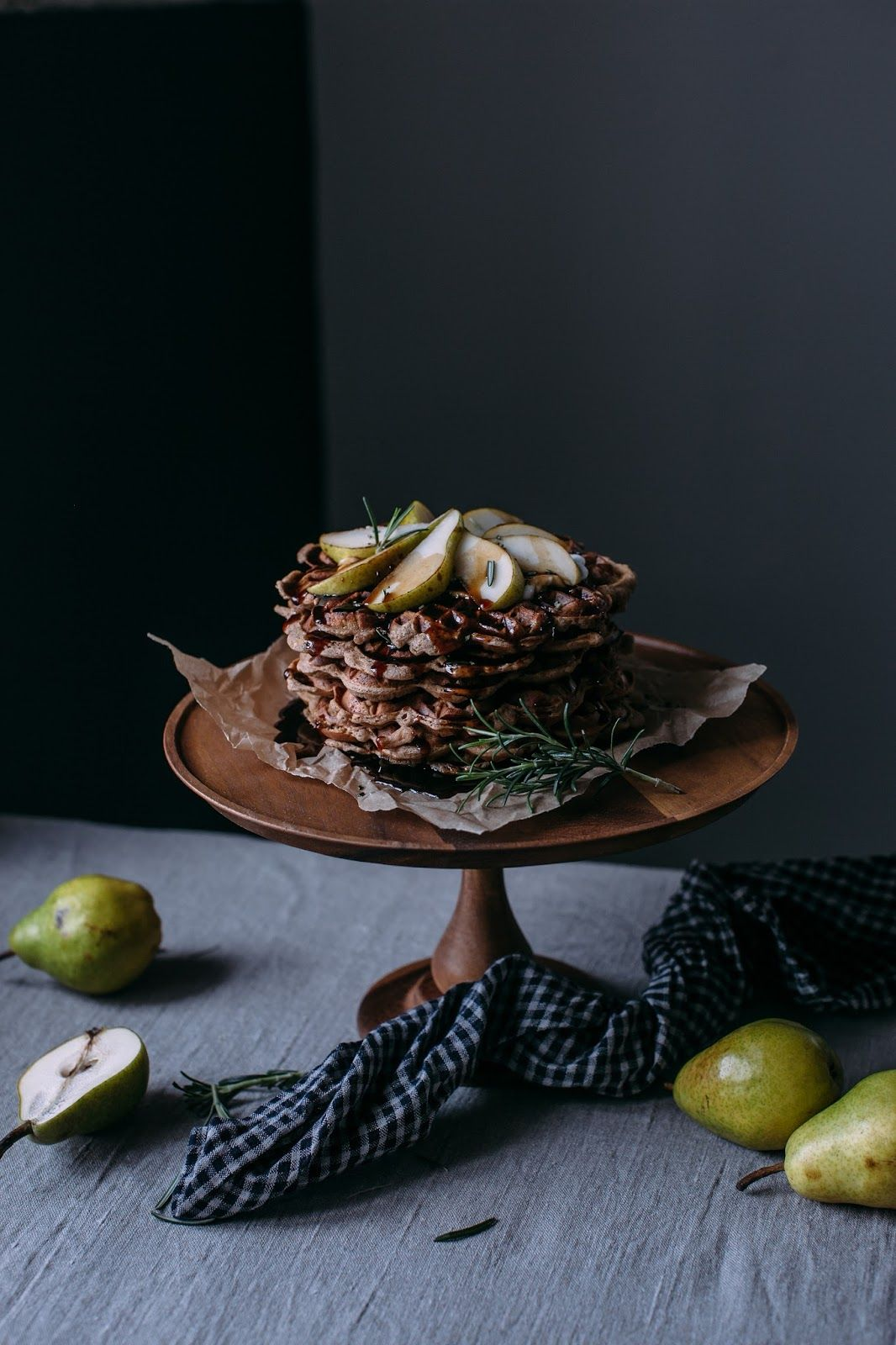 Gluten-free Apple-Cinnamon Waffles with Pears and a Tea infused Rosmary – Coconut Sugar Syrup