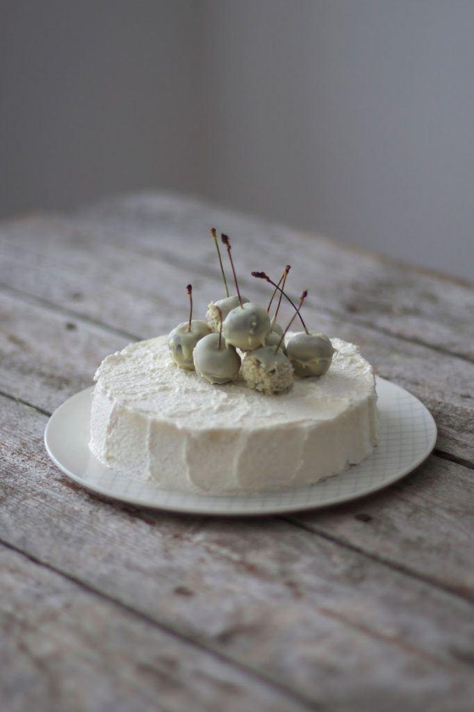 Image for Gluten-free White Mousse au Chocolate Cake