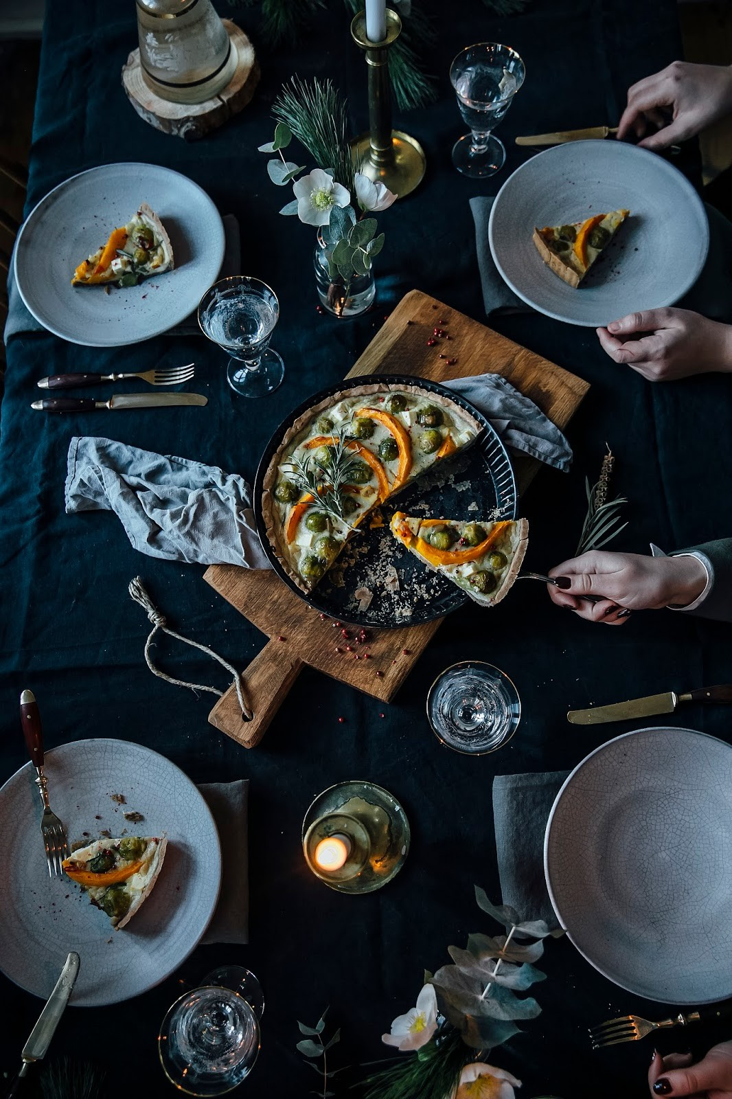 A little Christmas Gathering: gluten-free Pumpkin-Brussel Sprouts Quiche and a Cinnamon Panna Cotta