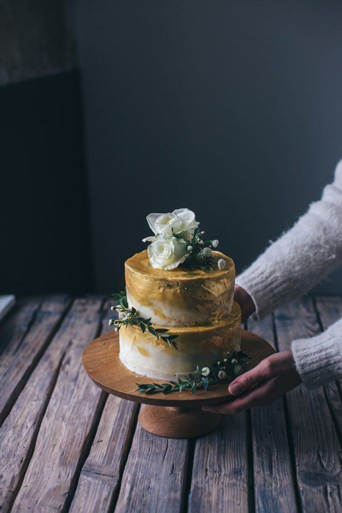 Image for Golden Coconut-Raspberry-Rose-Cake – a gluten-free Wedding Cake