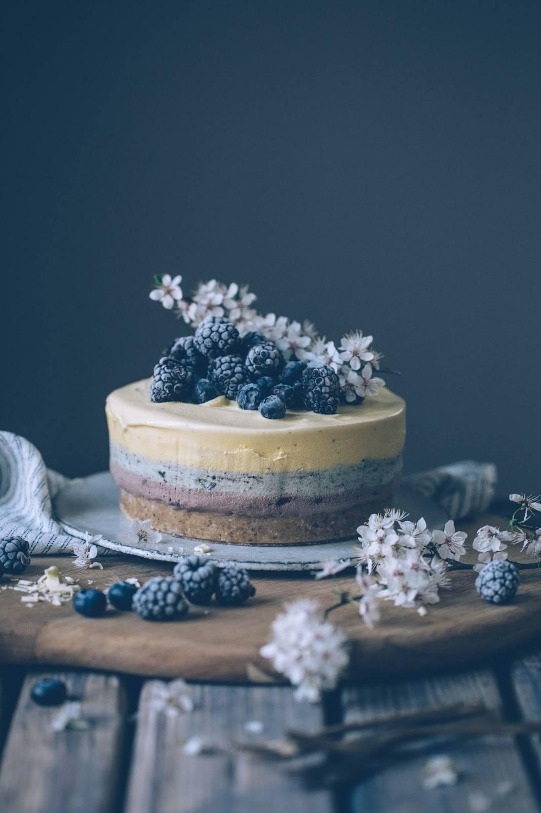 Lactose-free Mint-Chocolate-Vanilla-Ice-Cream Cake