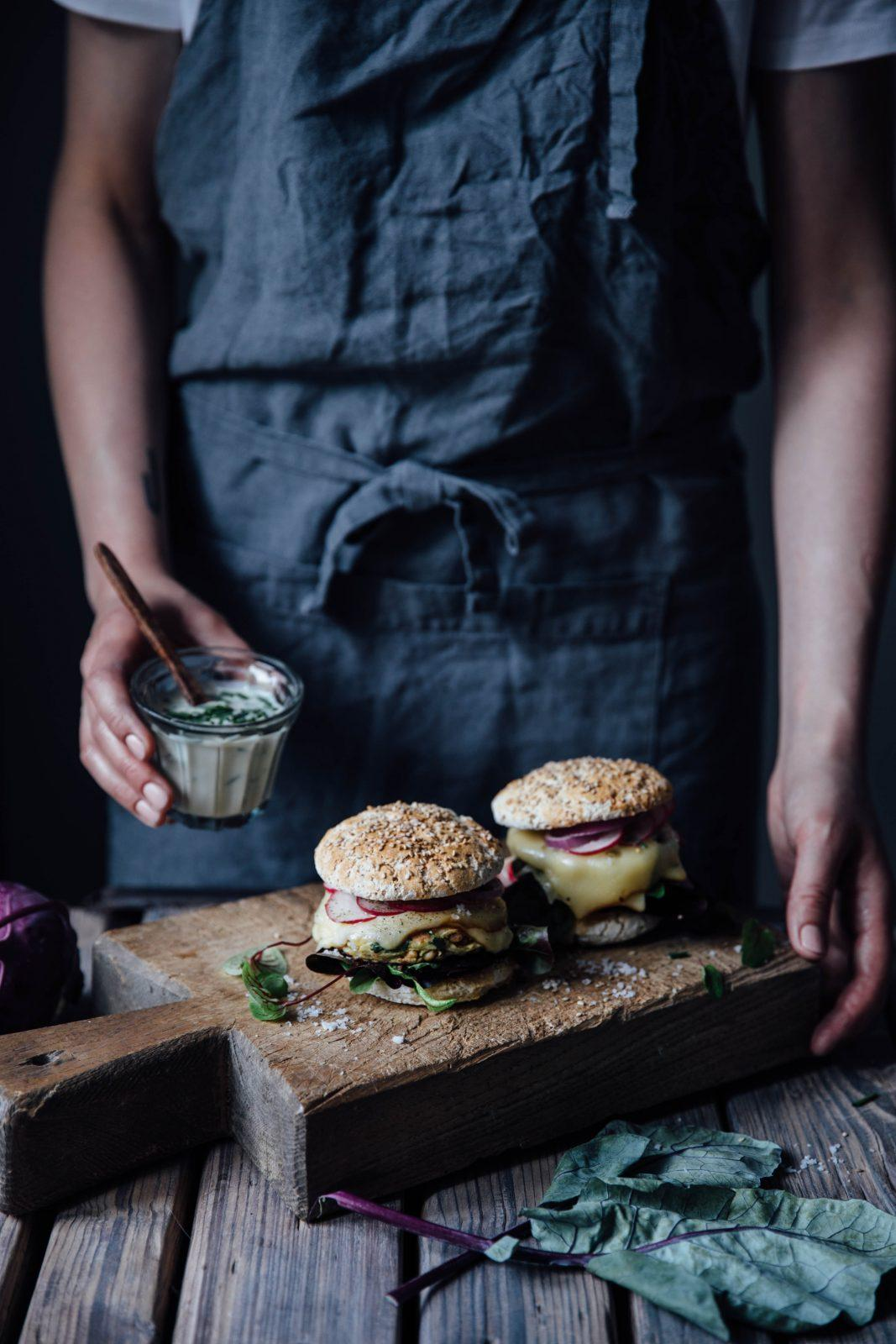 Gluten-free & Vegetarian Kohlrabi-Cheese Burgers