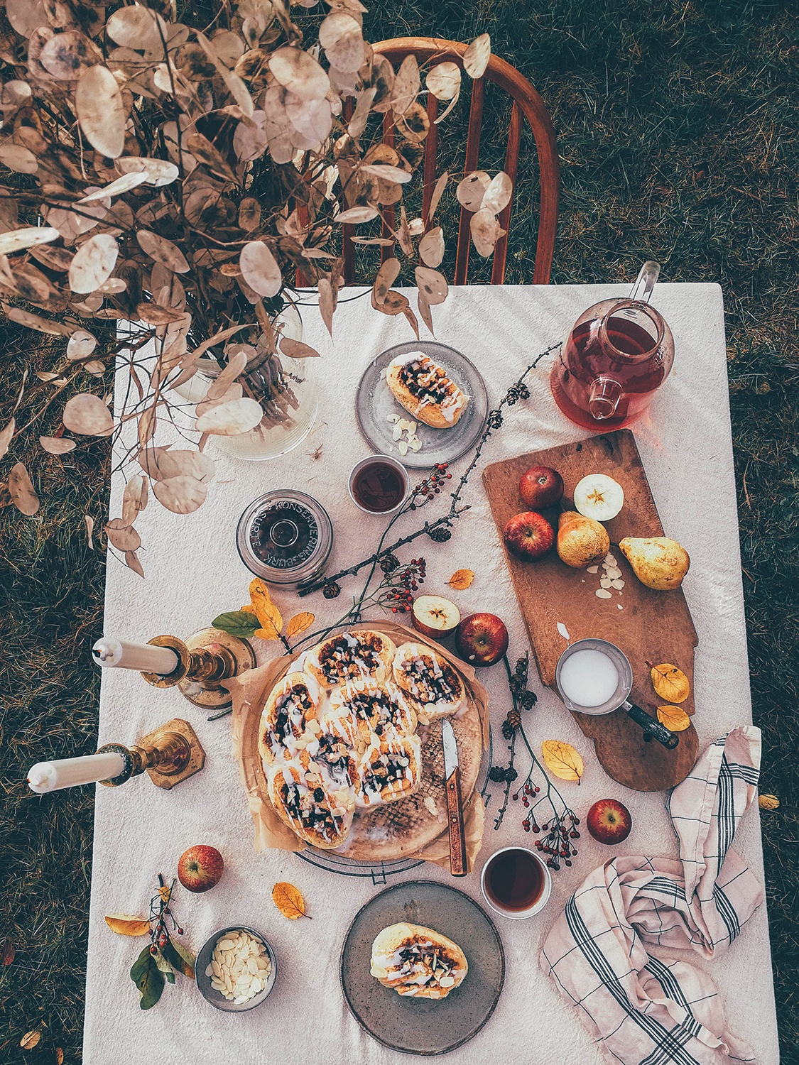 autumn table styling