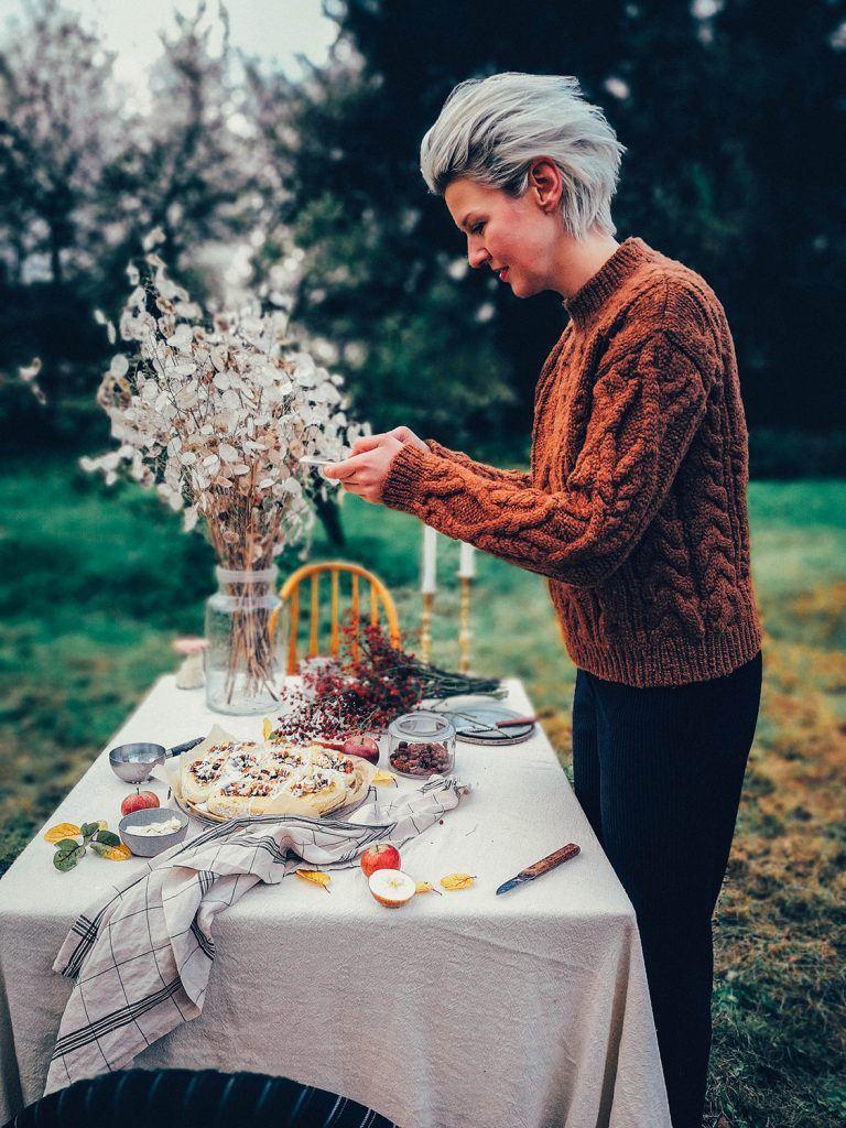 table setting autumn