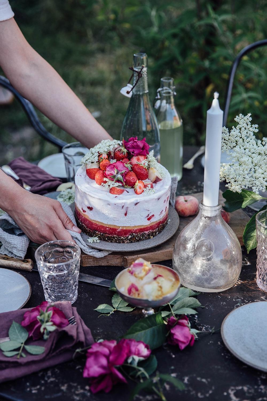 elderflower strawberry icecream cake