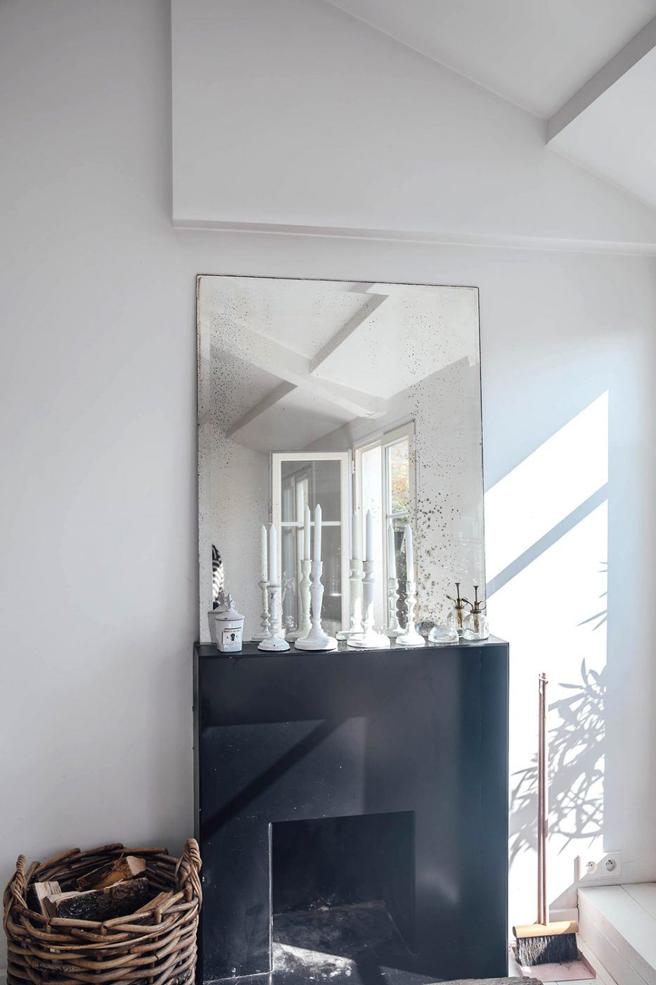 Home Tour Zoe de Las Cases Paris 19