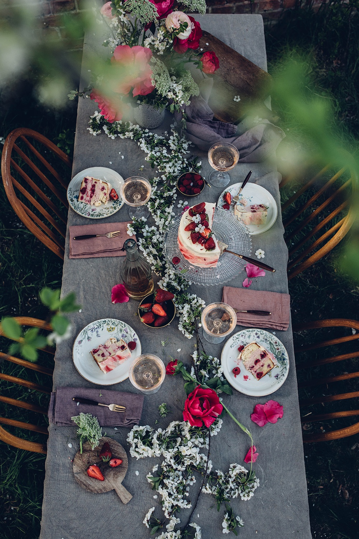 Gluten-free Strawberry-Raspberry Cake with Sparkling Wine