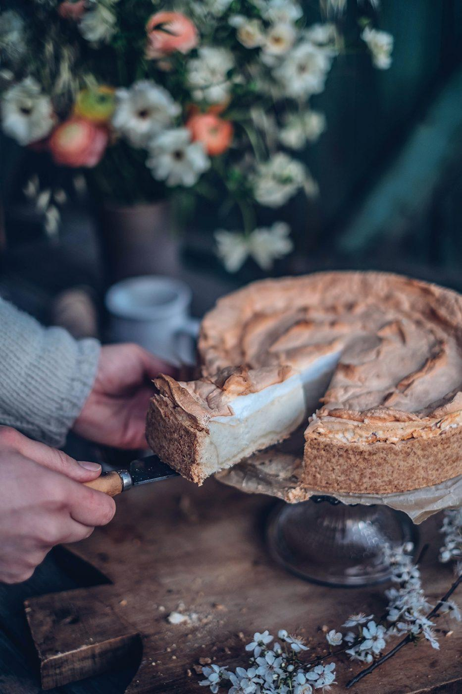 gluten-free cheesecake with meringue