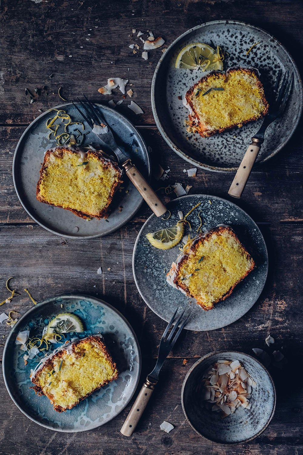 Easy and Delicious Gluten-free Lemon Cake with Rosemary
