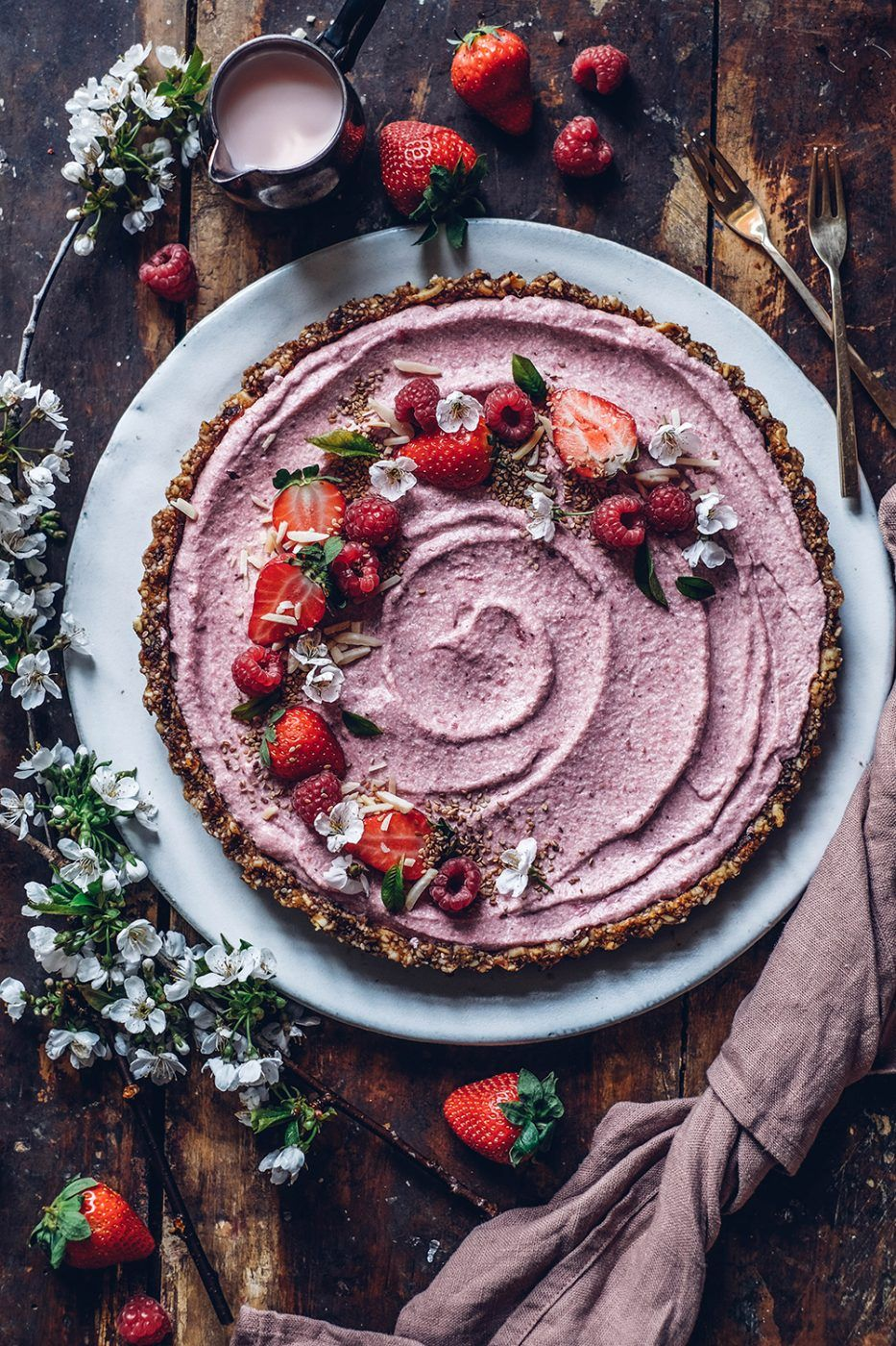 Image for Gluten-free no-bake Strawberry Tart with a Date-Cashew Crust